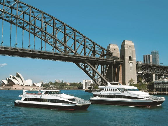 Lunch Cruise in Sydney Harbour with Magistic Cruises