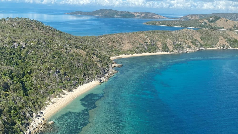 '9 Islands' Scenic Experience - Townsville Helicopters