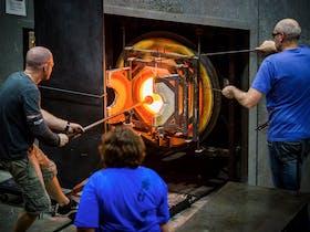 Glassmakers in the hotshop