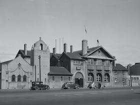 Black & white photo of the Mission to Seafarers Building c1940s