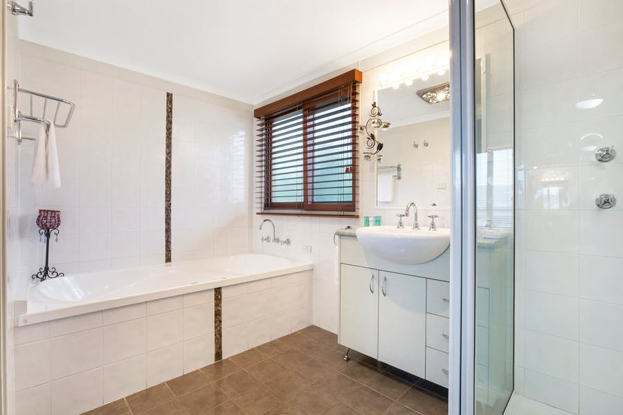 Bathroom at Kiama Harbour Cabins