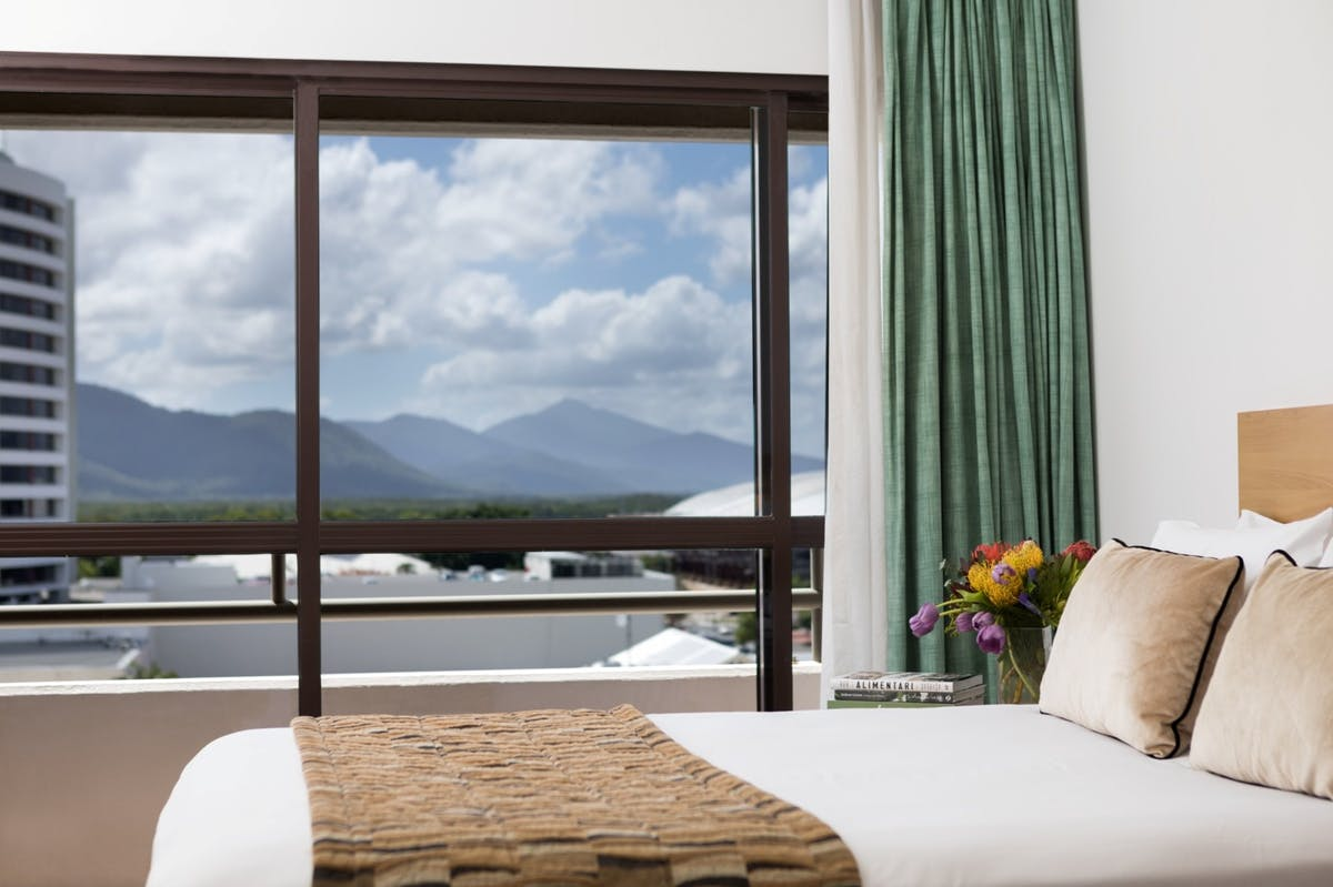 Twin room with balcony and free wifi at Rydges Plaza Cairns