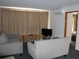 2 bedroom motel room living area
