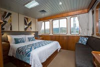 Coral Expeditions II - Deluxe Stateroom, picturesque windows