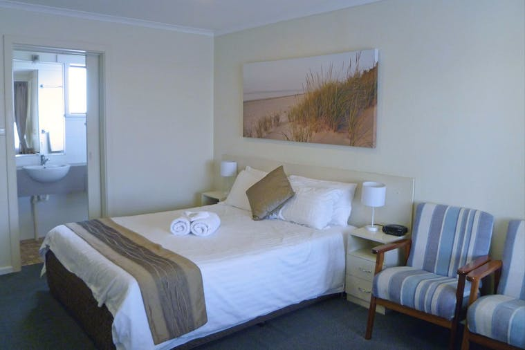 TWO ROOM FAMILY SUITE 12