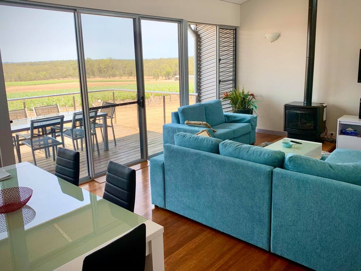 Lounge - dining overlooking vines