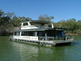 Lazaway Houseboats